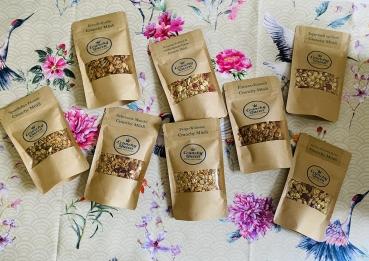 Crunchy Granola Müsli Probierpaket mit 8 leckeren Crunchy Granola Müslis - Versandkostenfrei