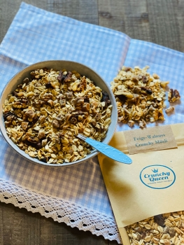 Fig and Walnut Crunchy Granola