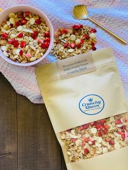 Rosaroter Erdbeer & weißer Schoki Traum Crunchy Granola Müsli