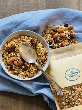 Roasted Almond Crunchy Granola